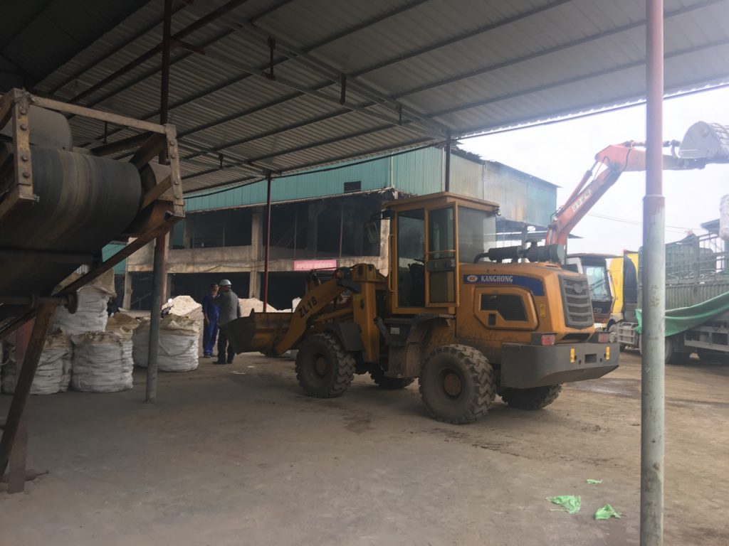 Xúc lật KangHong ZL18 tại nhà máy thép Tuyên Quang