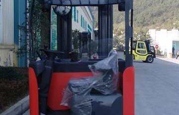 Xe nâng điện Reach Truck của Maximal