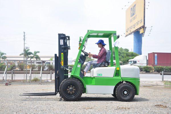 Xe nâng dầu 3 tấn Artison (TAILIFT)