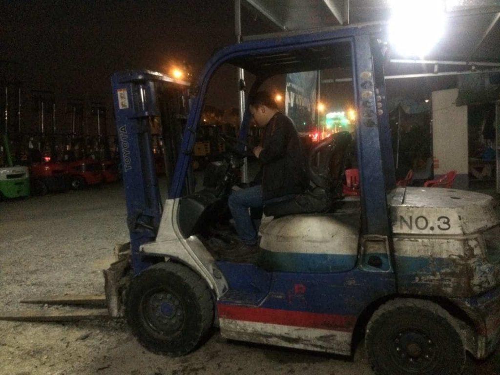 Dịch vụ sửa xe nâng TOYOTA