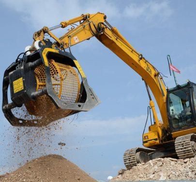 Gầu sàng vật liệu MB lắp trên xúc đào