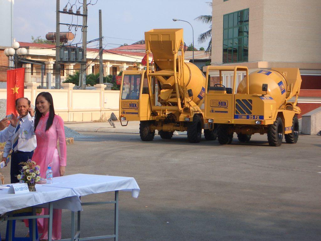 Xe trộn bê tông Carmix tại Việt Nam