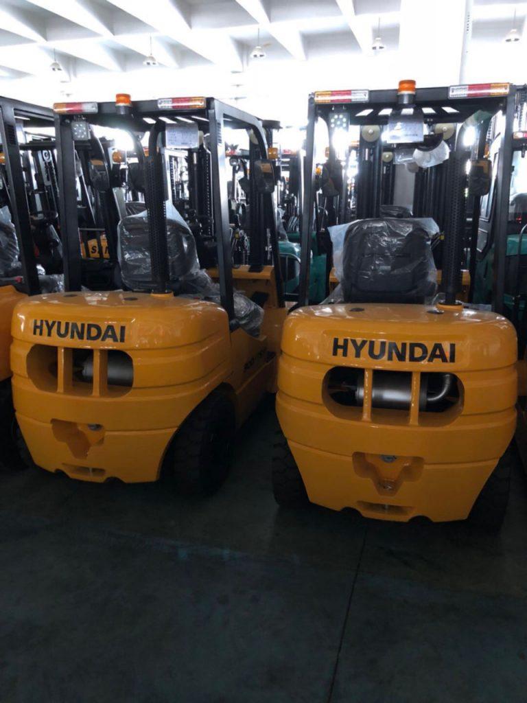 Xe nâng Maximal và xe nâng Hyundai