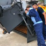 Xúc lật quét rác đa năng Rongwei