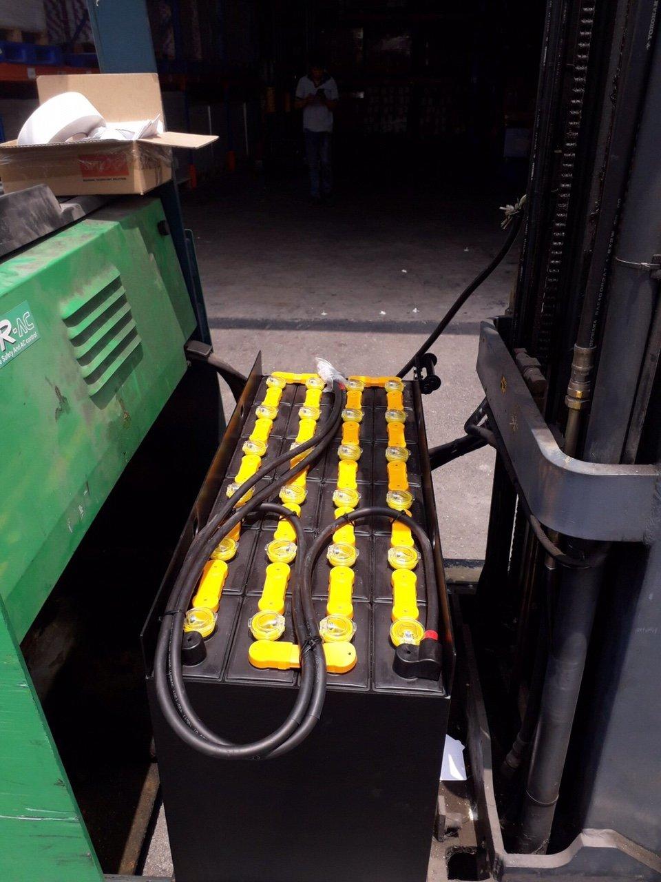 ắc quy xe nâng điện ROCKET