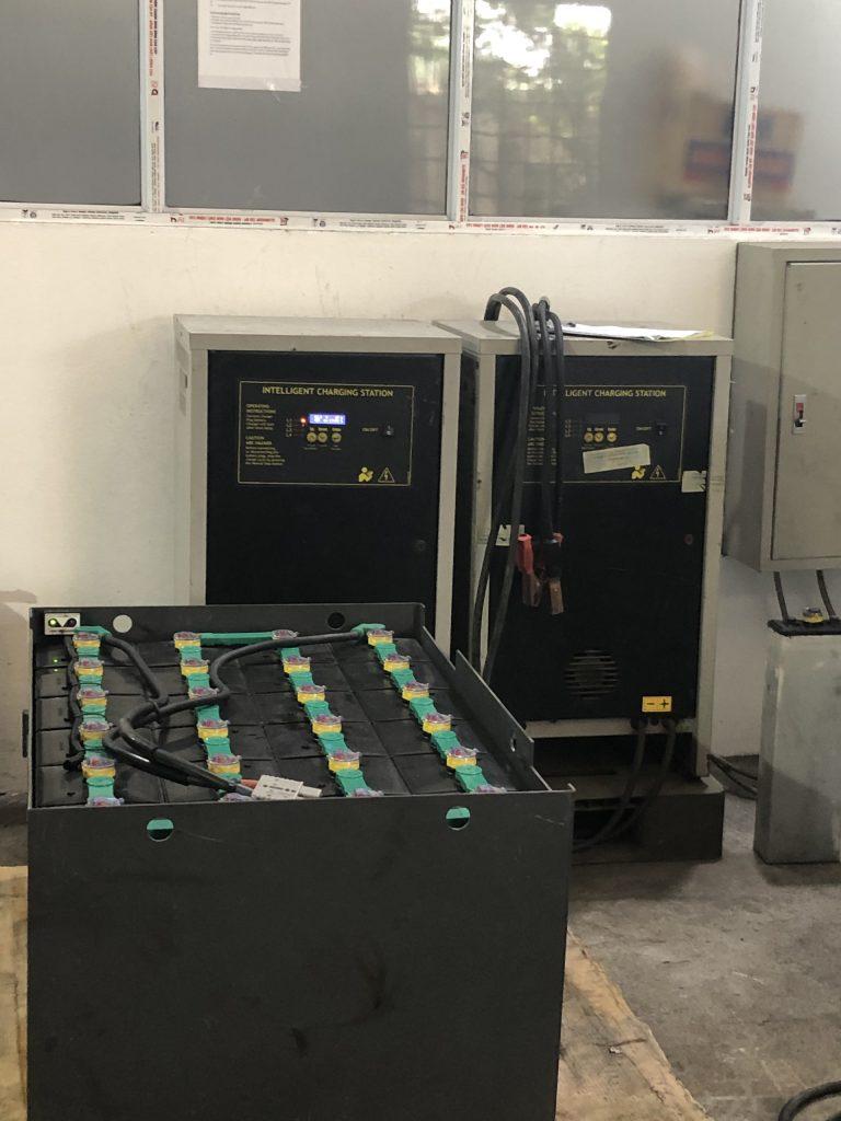 Máy phục hồi ắc quy xe nâng điện