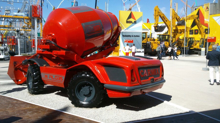 Xe trộn bê tông tự hành Carmix RLG35