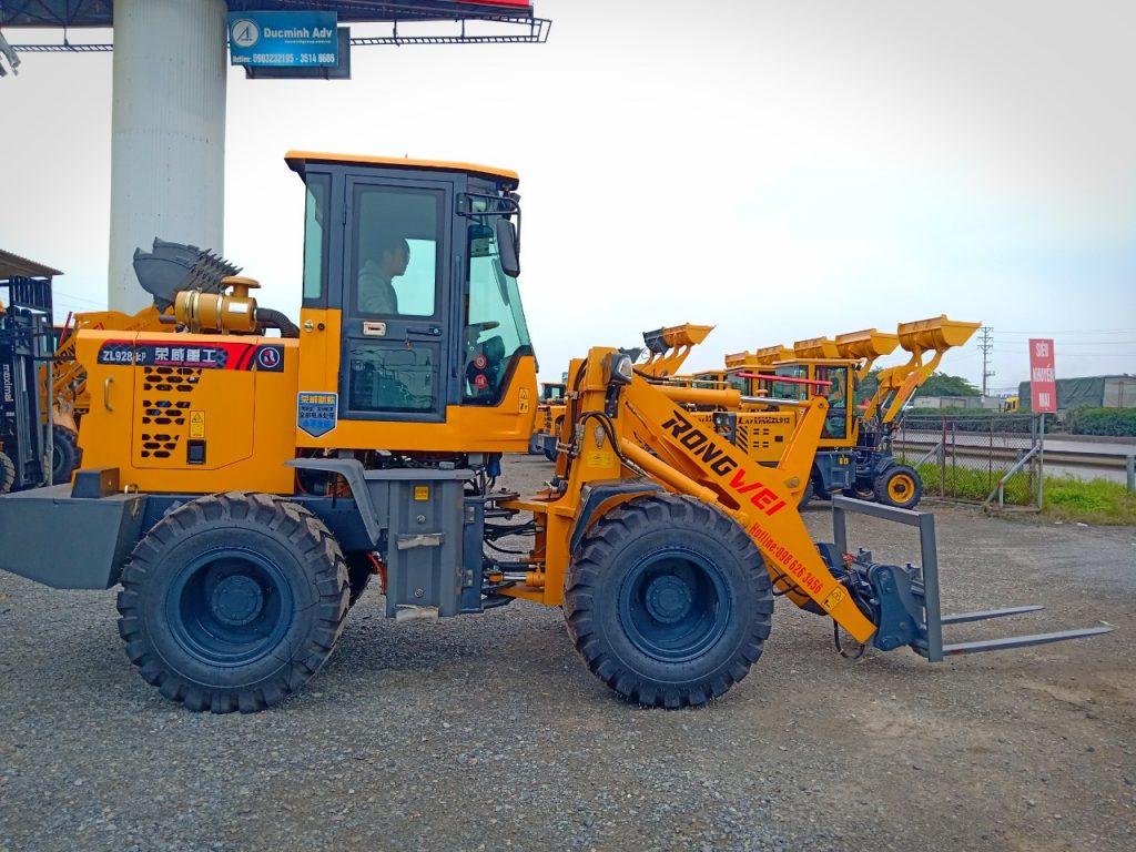 Xúc lật lắp càng nâng Rongwei ZL928KP