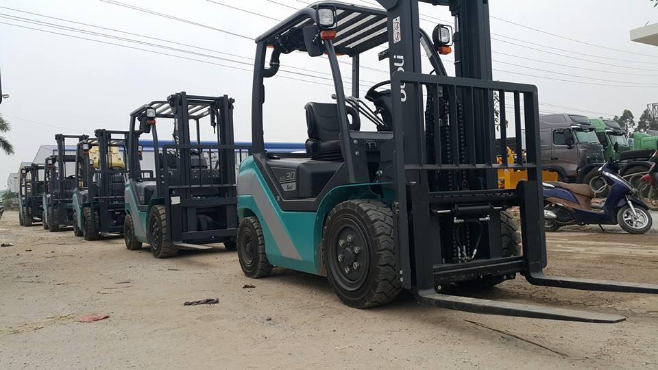 Xe nâng Baoli tại công ty Trung Sơn