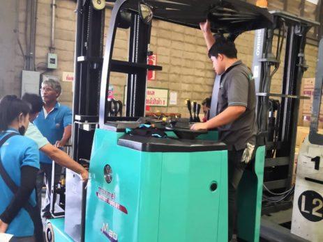 Xe nâng điện đứng lái Reach Truck Maximal