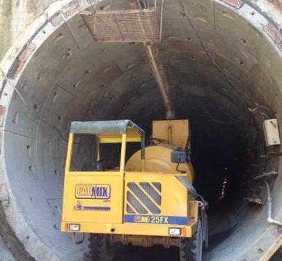 Xe trộn bê tông CARMIX thi công hầm